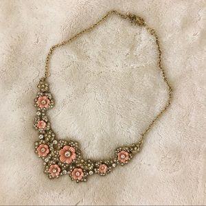 Floral statement necklace 🌸